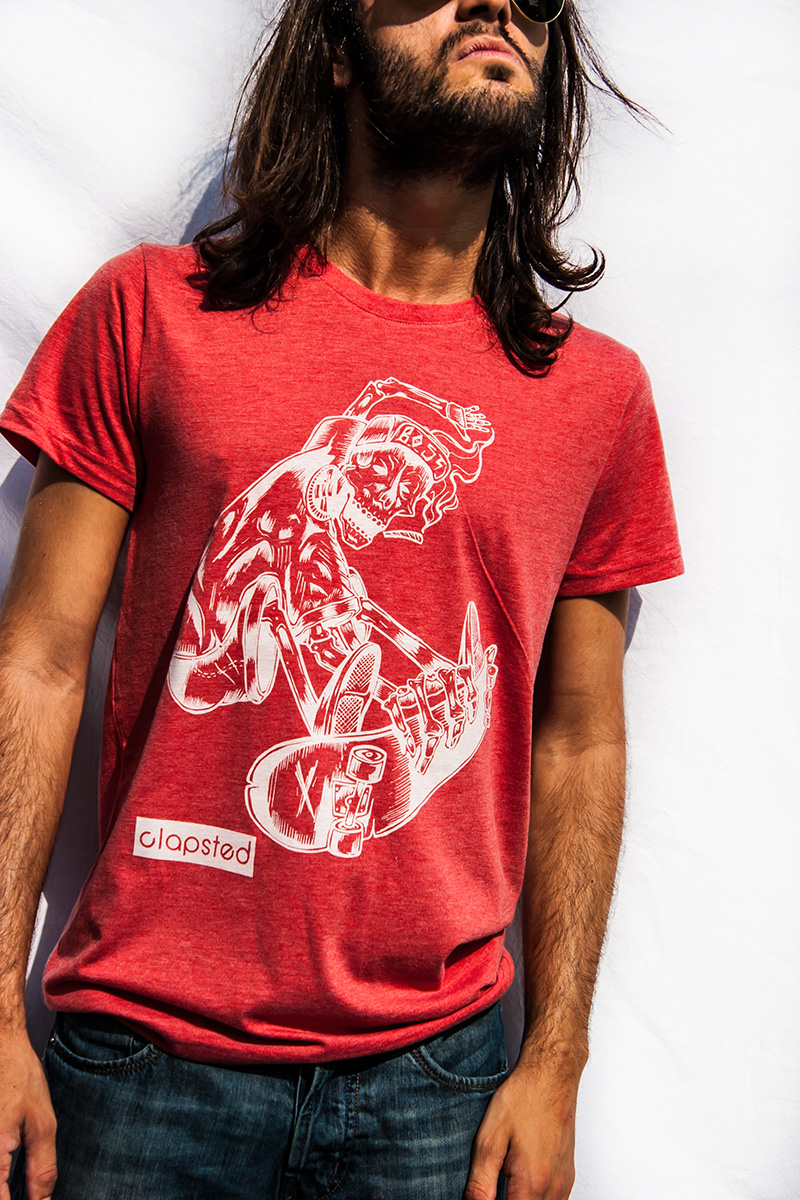 t-shirt scheletro skater design BOST per clapsted
