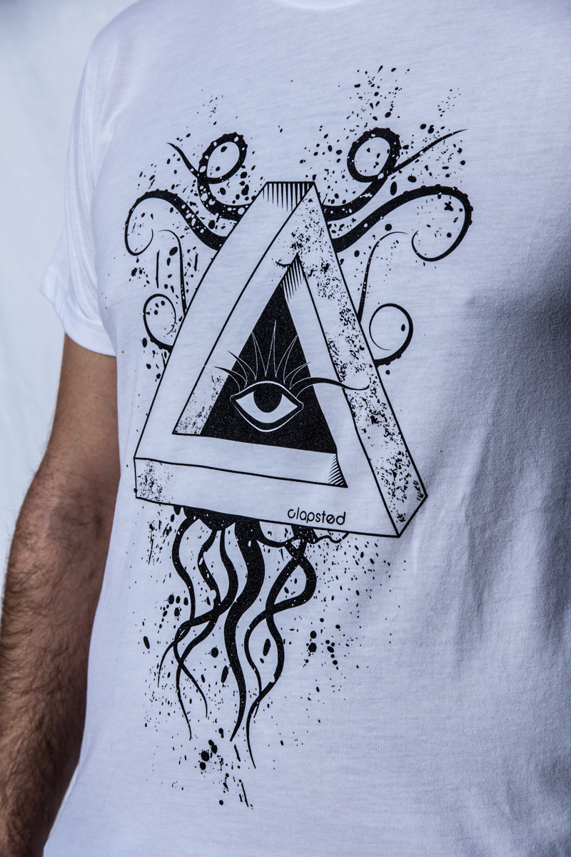 Penrose triangle t-shirt by Clapsted