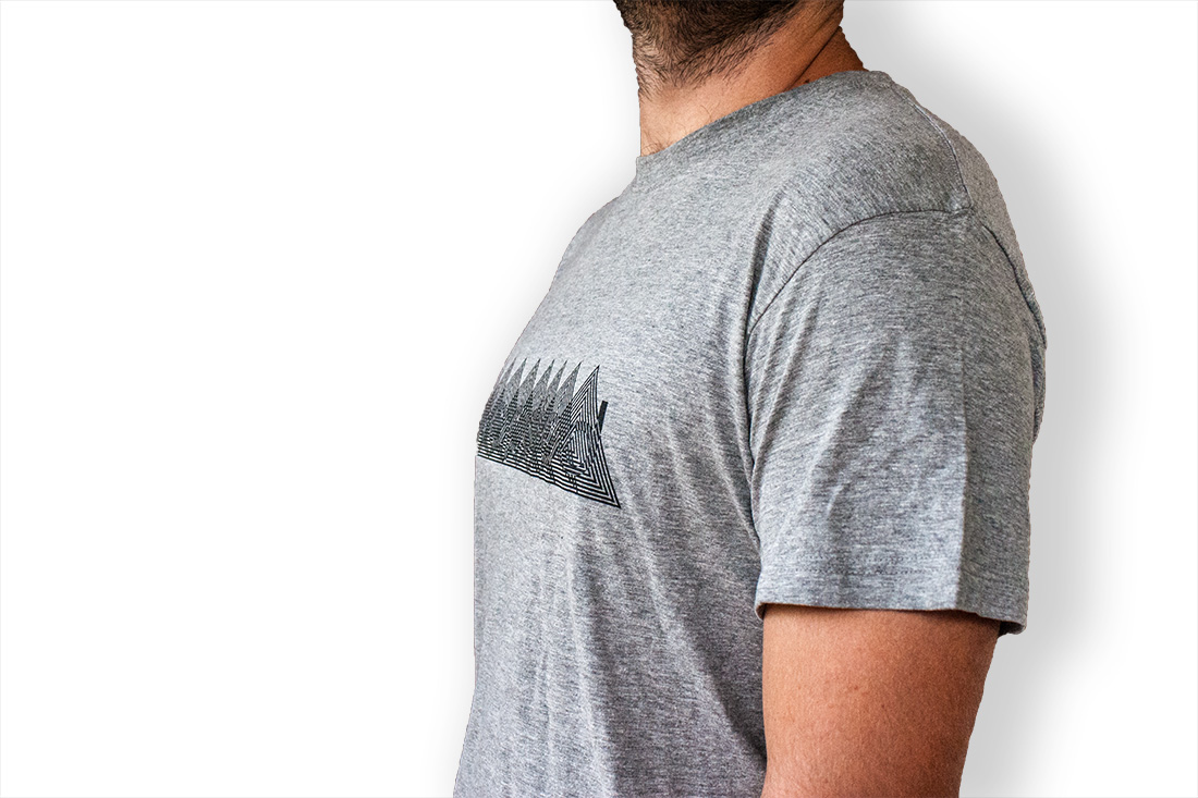 Clapsted t-shirt Triangles, optical illusion